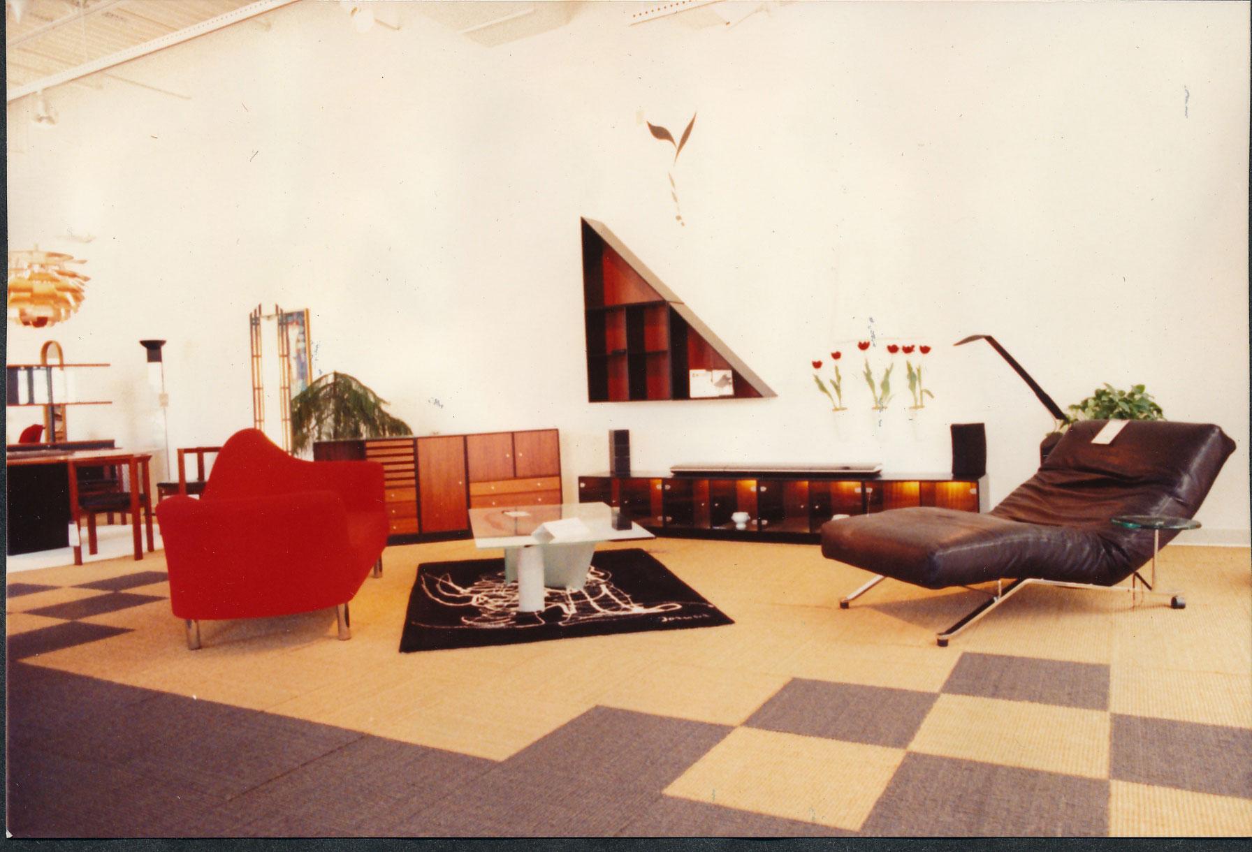 Design Quest furniture display