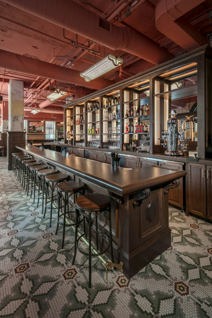 New Hotel Mertens bar invites patrons to linger over a cocktail or glass of wine.