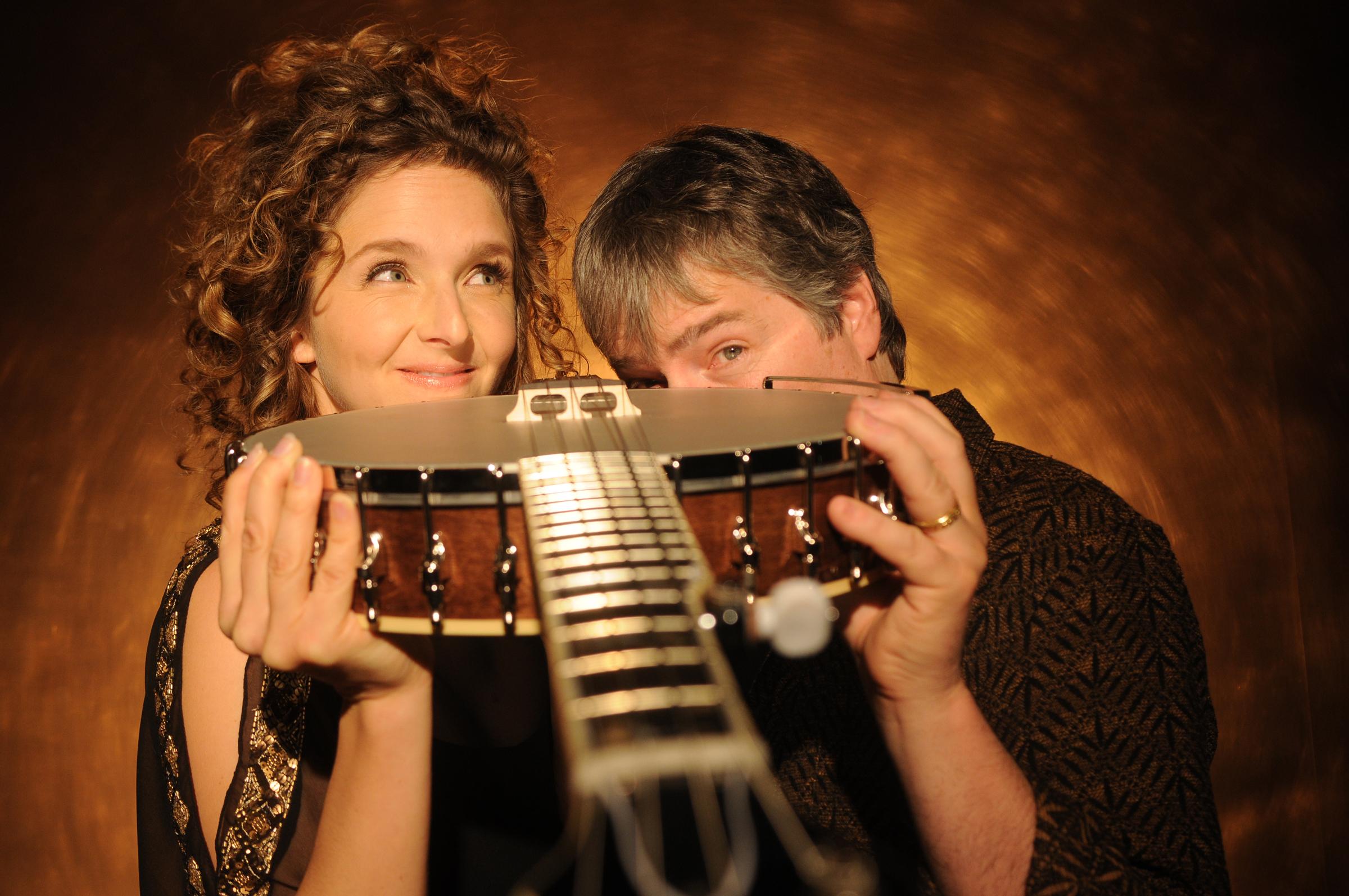 Bela Fleck & Abigail Washburn. Photo by Jim McGuire
