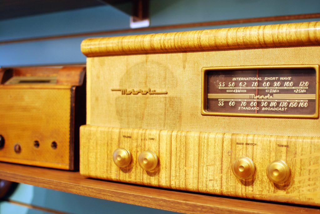 Vintage radios on display at Retro of Kalamazoo.