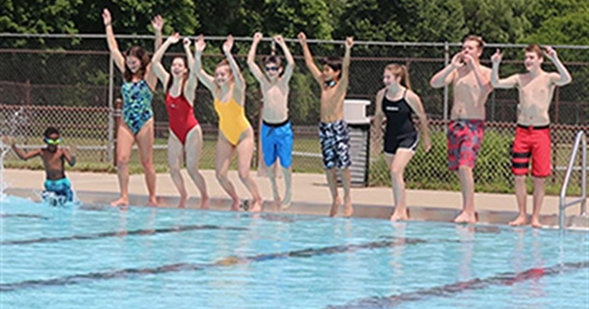 kids at city of Grand Rapids pool