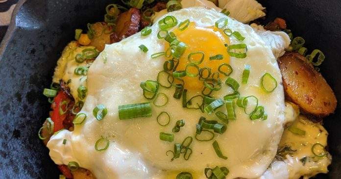 Morning Belle Brunch Bistro Pacific Blue Crab Hash wide