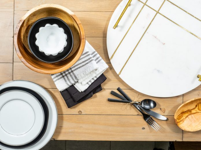 meal table setting place settings